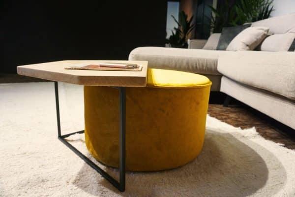 Table en bois et pieds métal + pouf en Ocre (3)