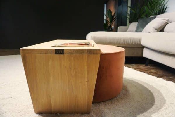 Table en bois + pouf en rose (4)