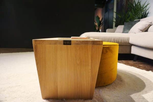 Table en bois + pouf en Ocre (4)
